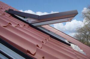 Faelux finestre per tetti tecnoinfissi srl for Finestre x tetti