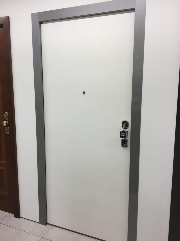 porta blindata alto design 1000 tecnoinfissi srl. Black Bedroom Furniture Sets. Home Design Ideas