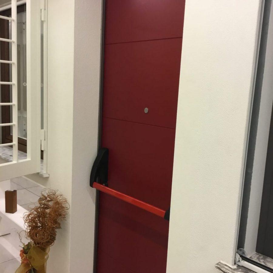 porta blindata faccione acciaio €800